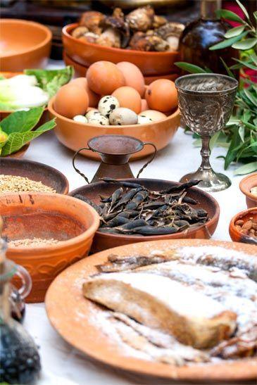 Servicio de mesa del Imperio Romano en la entrada de etimología de menaje del blog de Franquihogar