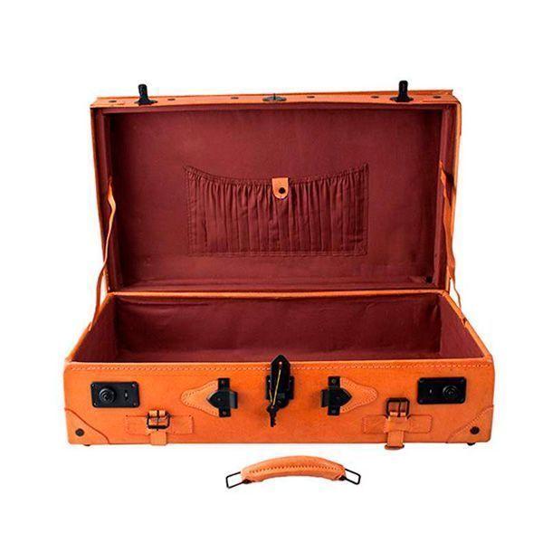 maleta vintage abierta